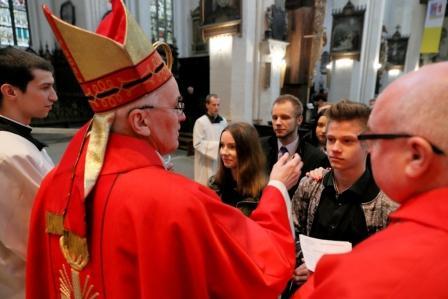 Bierzmowanie dorosłych w Katedrze - 22 grudnia 2018